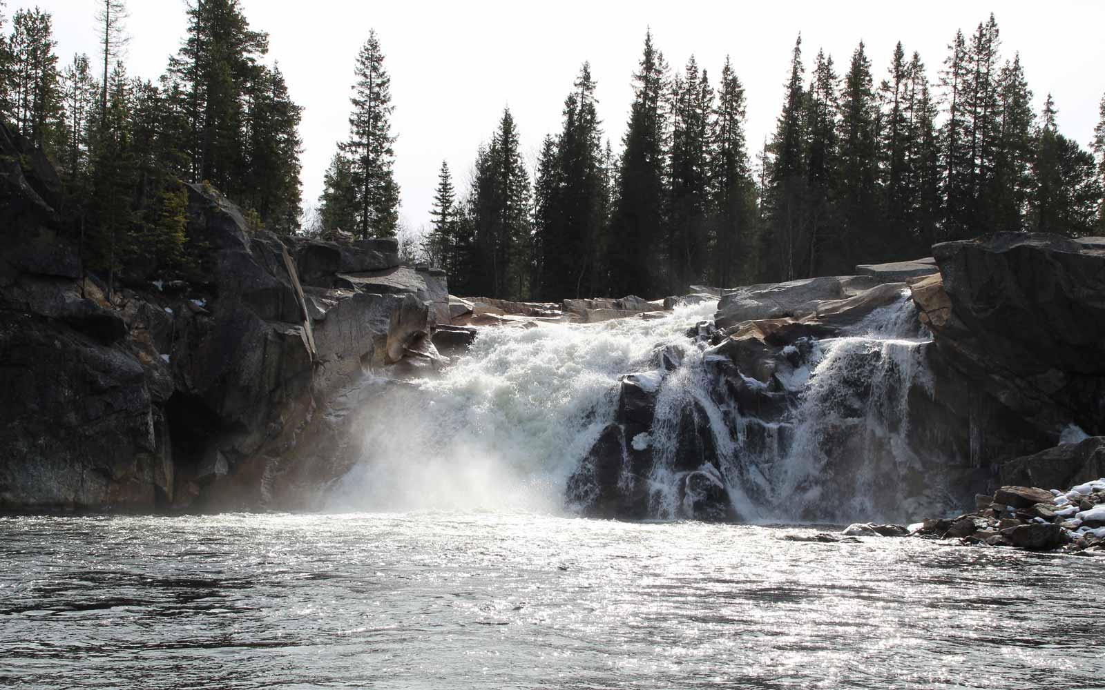 Wasserfall auf dem Weg nach Röros
