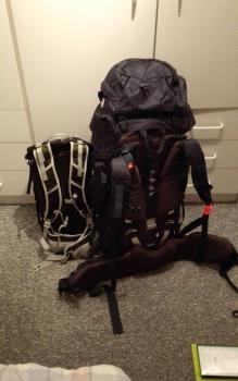 2 Rucksäcke fertig gepackt