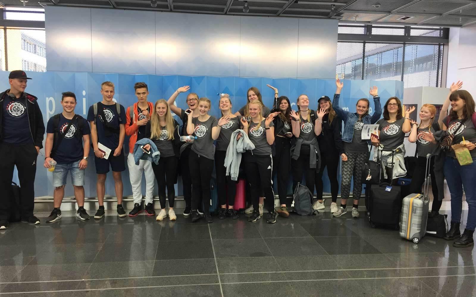 High School Teilnehmer reisen aus in die USA