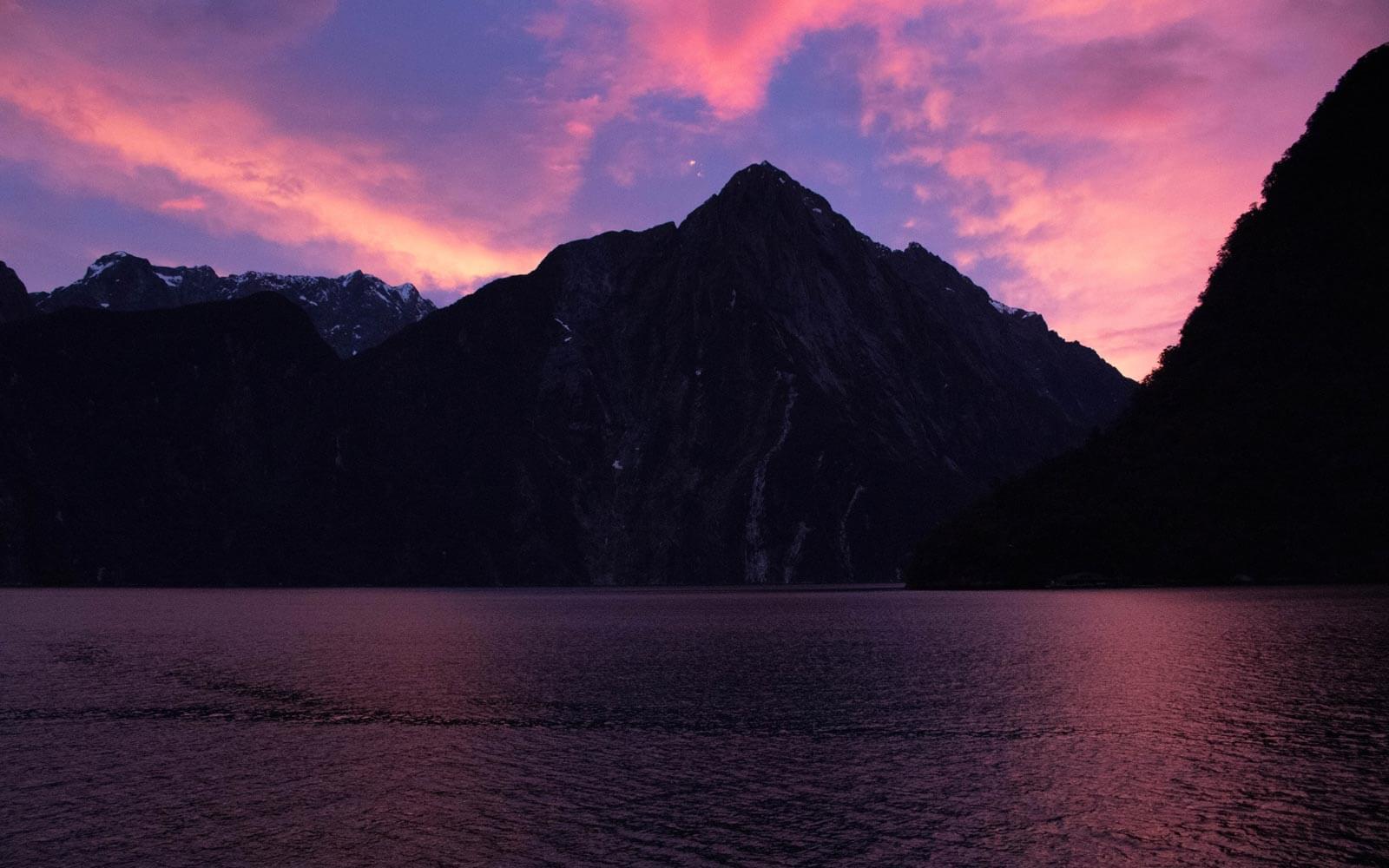 Sonnenuntergang am Milford Sound