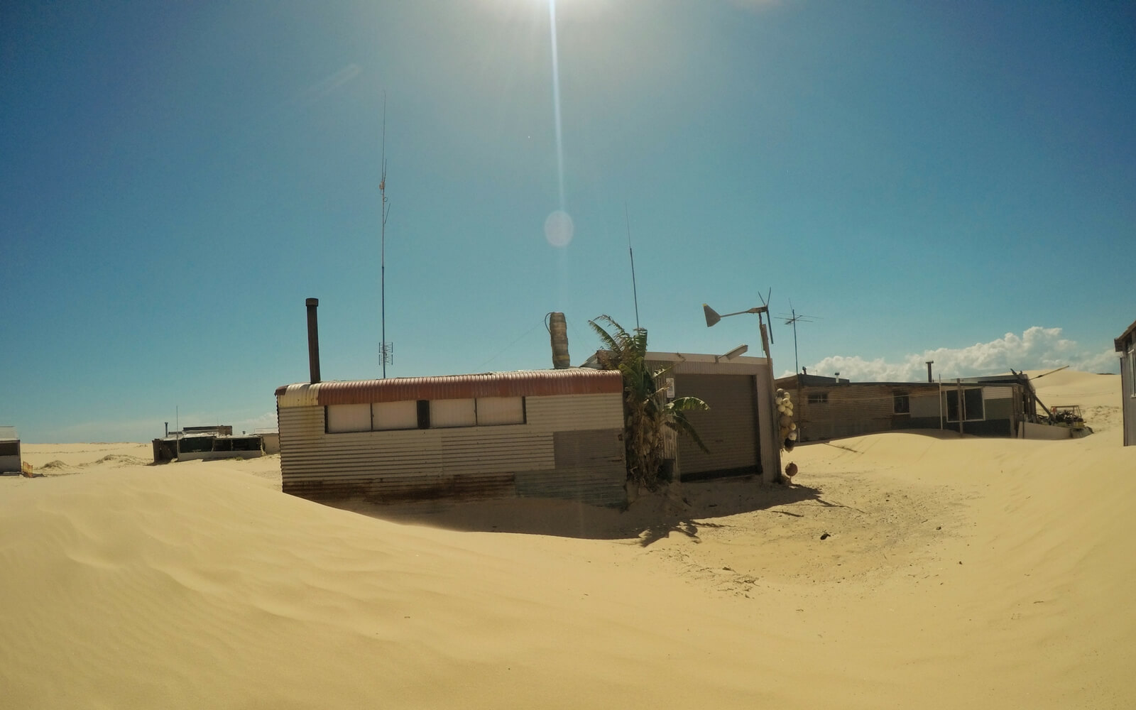 Kleine Hütten in der Wüste