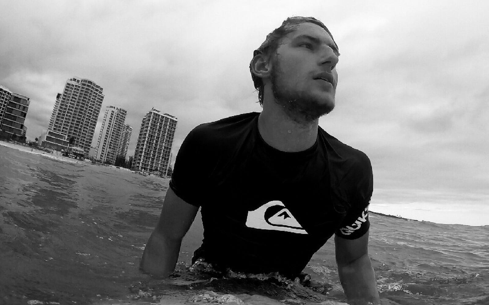 Paul beim Surfen