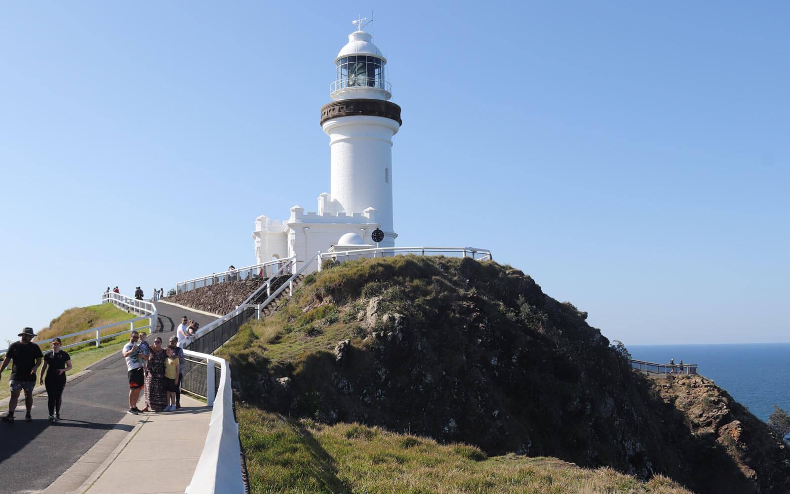 Schüleraustausch Australien: Blick auf den Leuchtturm in Byron Bay